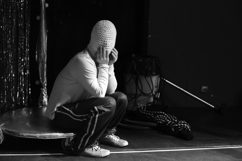 <em>Klauni, czyli o rodzinie. Odcinek 3</em>, directed by Justyna Sobczyk, Teatr 21, premiere: 17.12.2015, Instytut Teatralny im. Zbigniewa Raszewskiego in Warsaw. Photographer: Grzegorz Press.