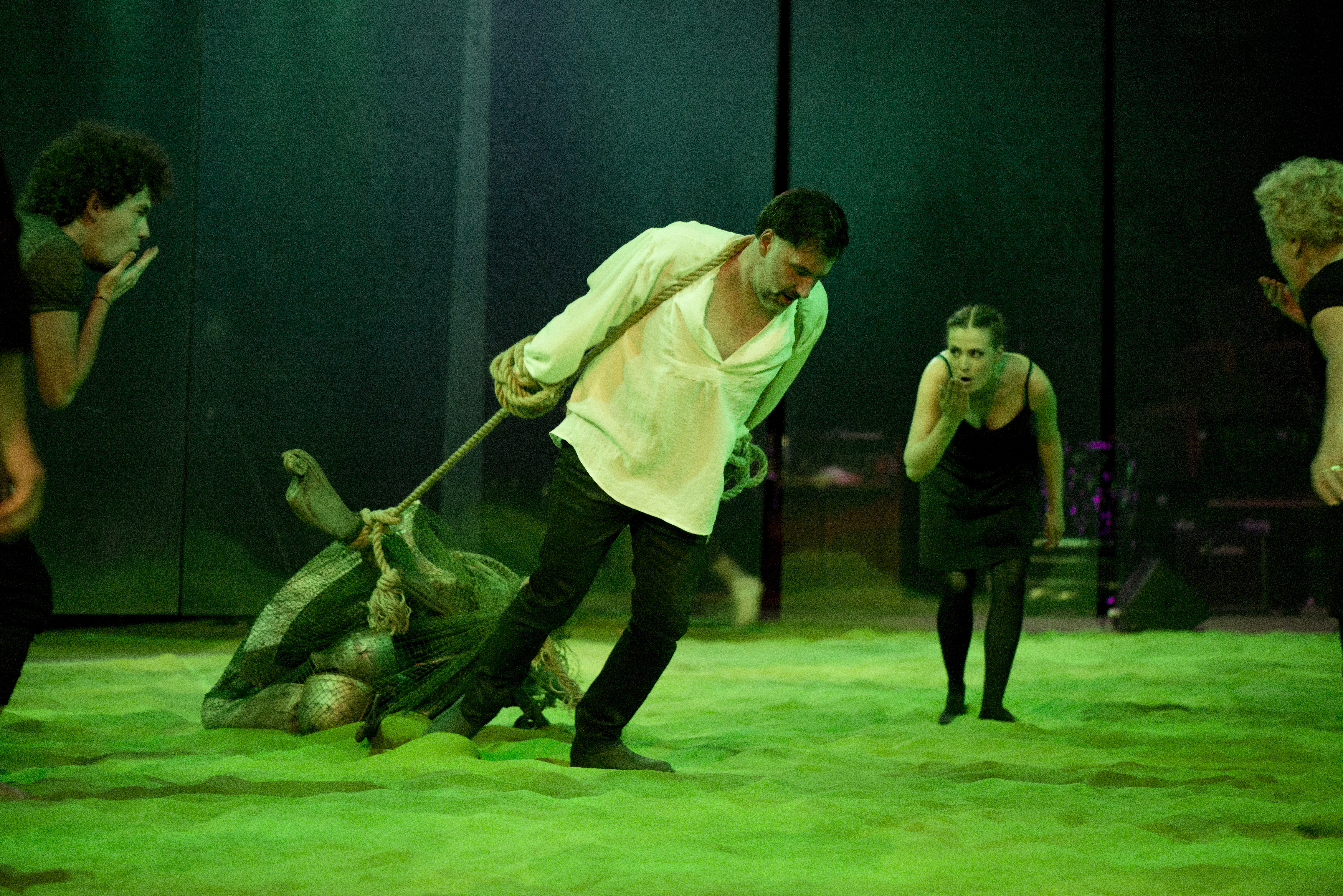 <i>Mission</i>, directed by Bartosz Szydłowski. Photographer: Bartosz Siedlik