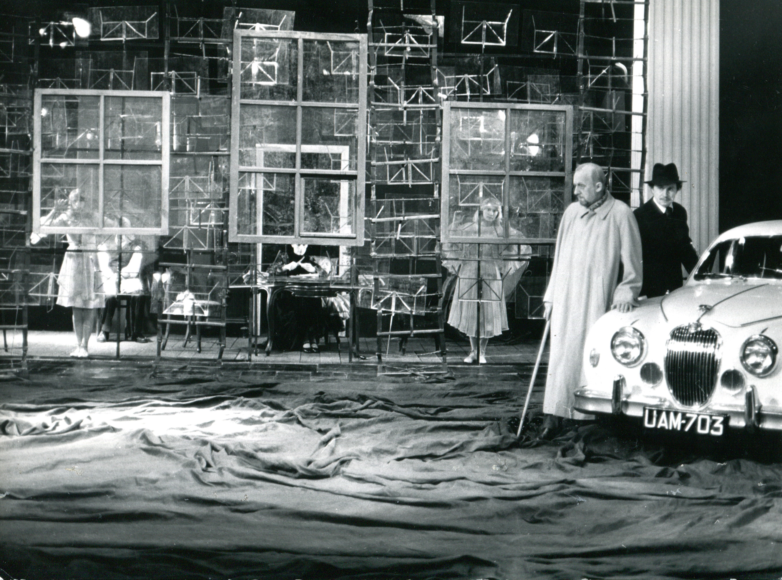 <i>Interior</i> Maurice Maeterlinck/<i>Varsovian Anthem</i> Stanisław Wyspiański, dir. Jerzy Grzegorzewski, premiere: 6 March 1976, Stefan Jaracz Theatre, Łódź, Photo: Andrzej Brustman. Source: Encyklopedia Teatru Polskiego.