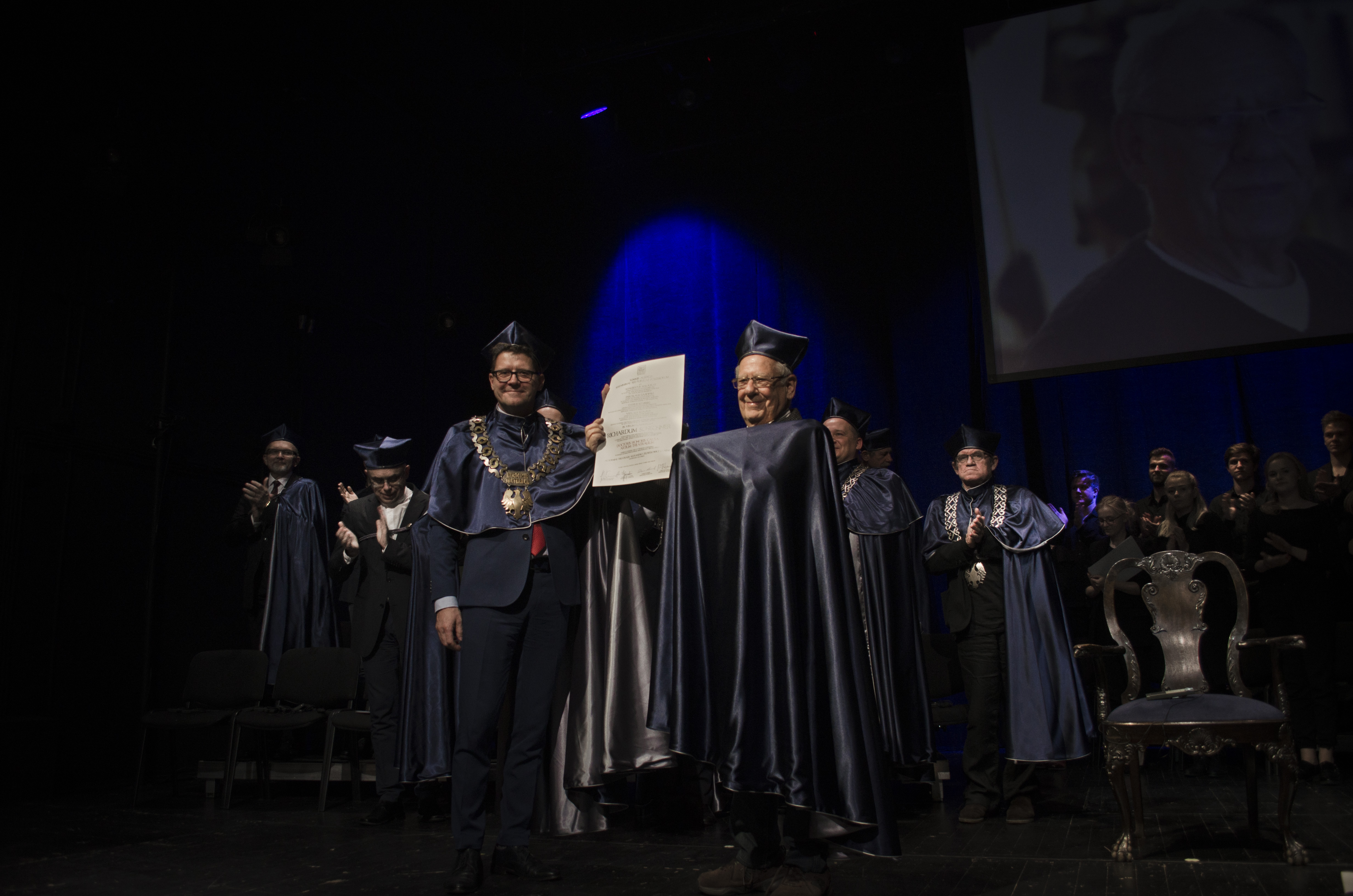 Richard Schechner receives a honorary degree from the Aleksander Zelwerowicz Theatre Academy in Warsaw, 16.10.2017. Photo: Vova Makovskyi.